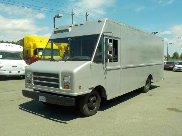 Repo Com 1998 Chevrolet P30 Utilimaster 18 Foot Cargo