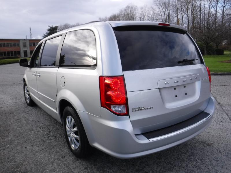 bc68cd3b69a Repo.com | 2011 Dodge Grand Caravan 7 Passenger Stow n' Go
