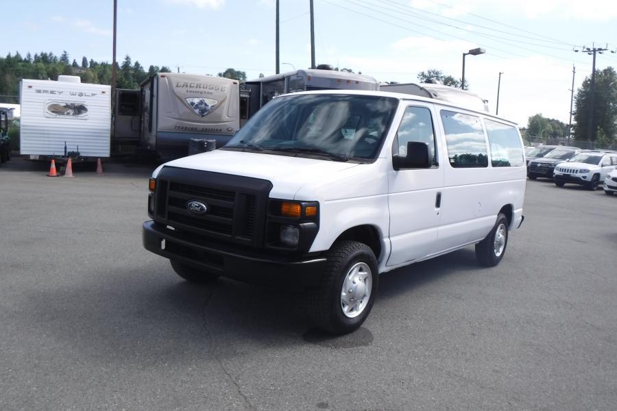 Repo com | 2014 Ford Econoline E-150 XLT 7 Passenger