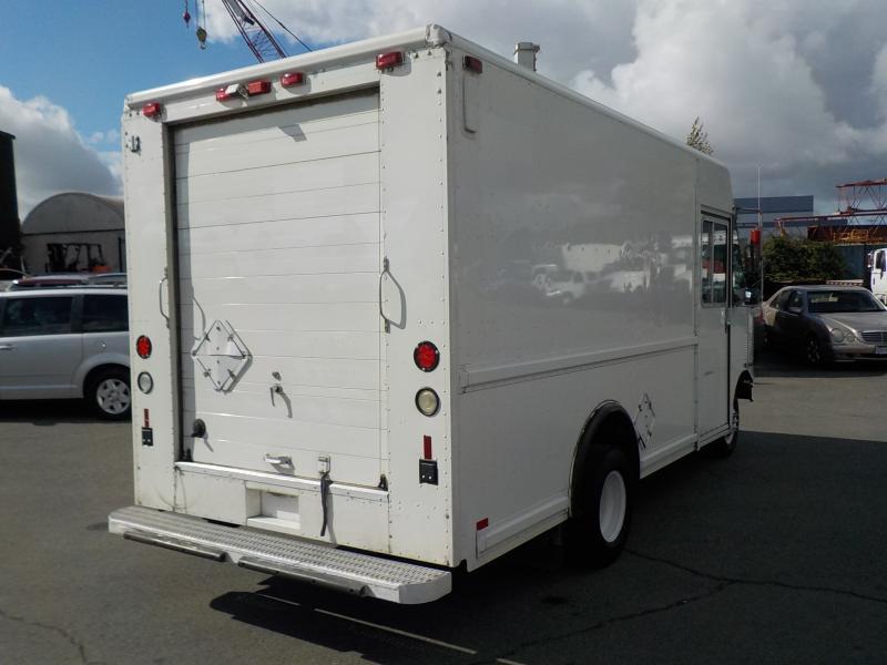 Repo com   1999 Ford Utilimaster E-350 Step Van Cargo